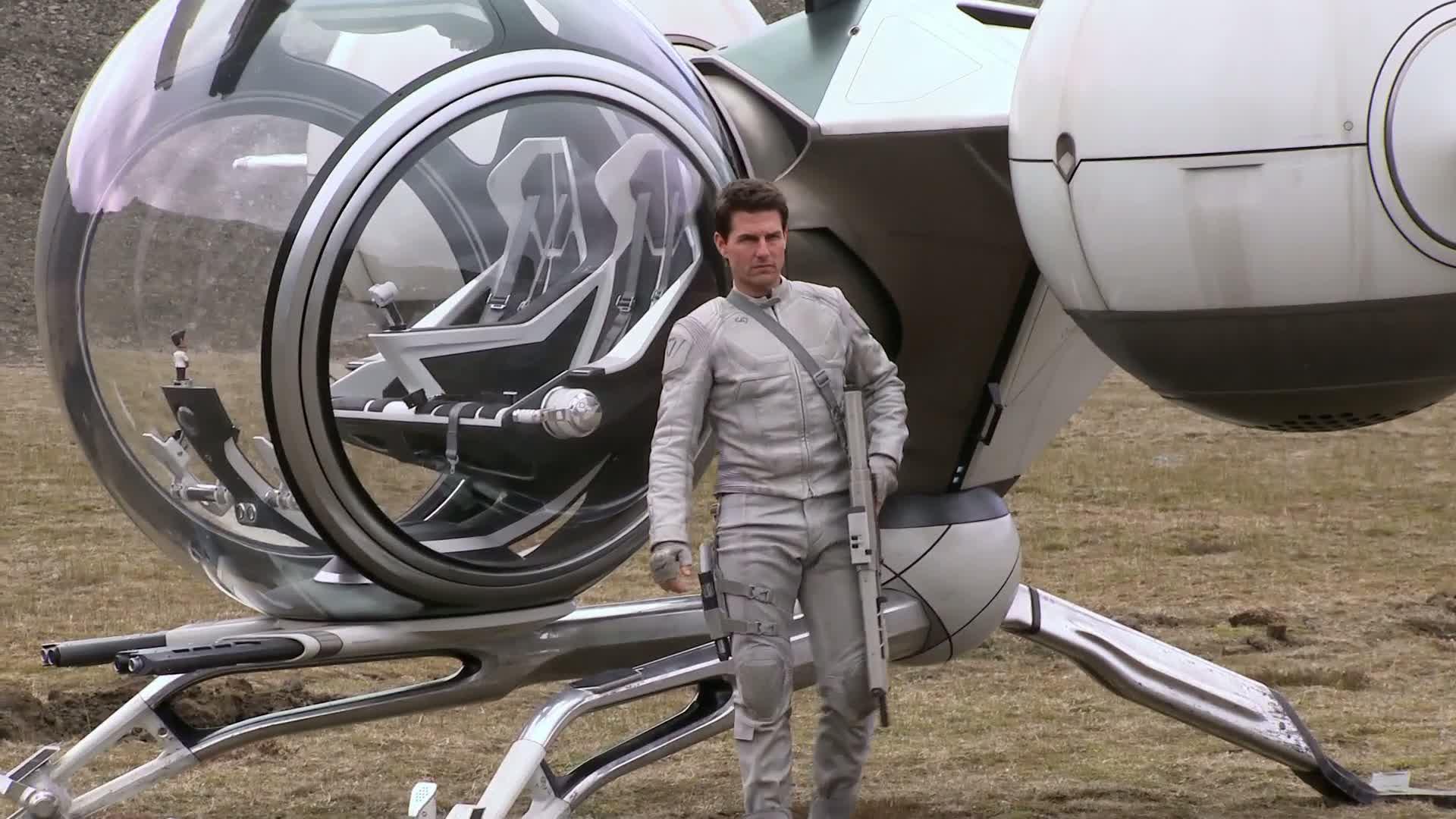 Том Круз вживается в роль астронавта